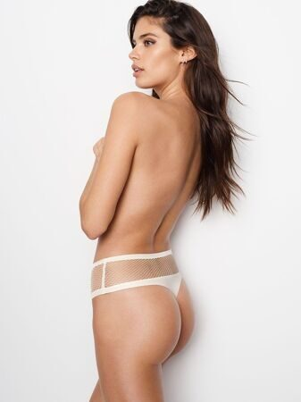 Трусики Fishnet Raw Cut High-waist Thong Victoria`s Secret