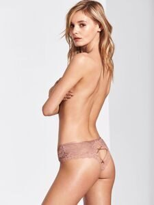 Трусики Cheeky Lace Cutout Victoria`s Secret